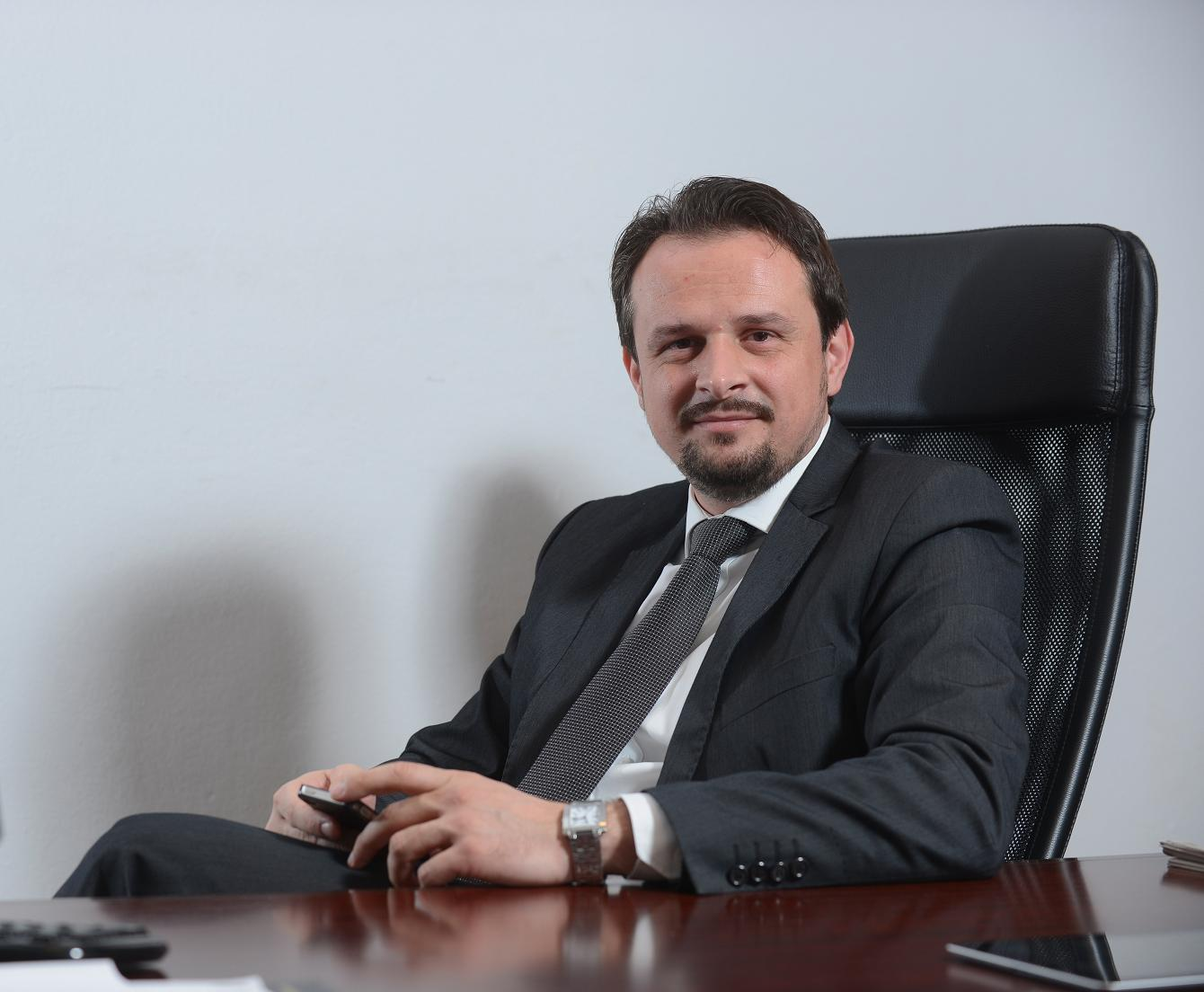 Sergiu ApolzanDirector de Vanzari si Marketing al Lasselsberger Ceramics Romania